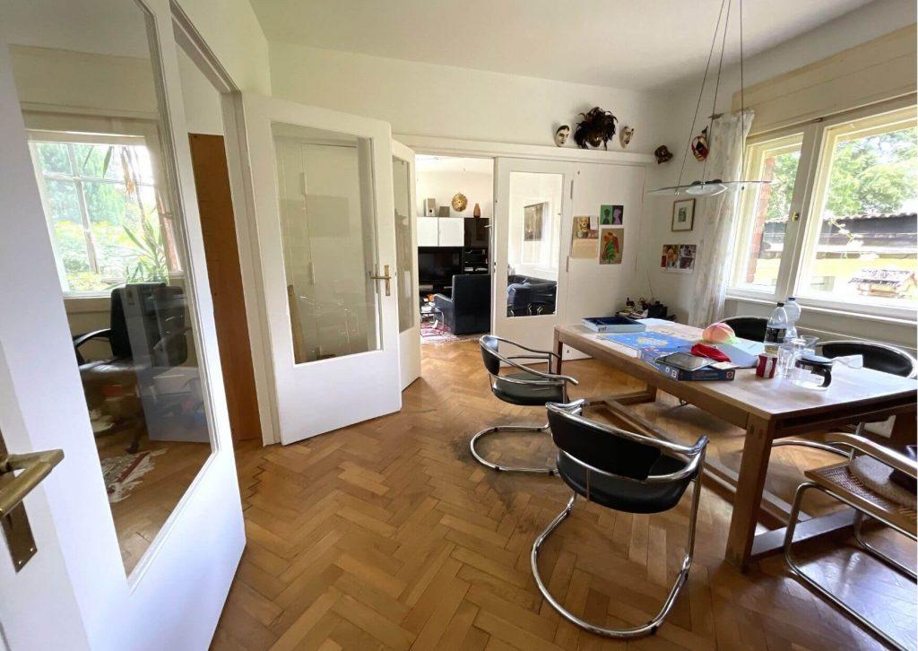 Großes Familien Wohnzimmer in Berlin.